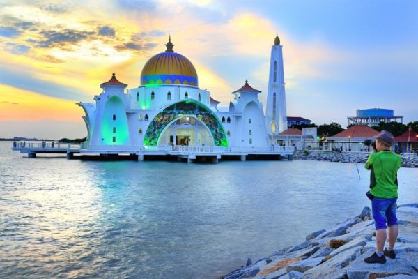 Floating-mosque-in-Melaka