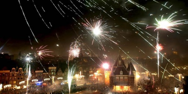amsterdam_new_years_eve2-600x300
