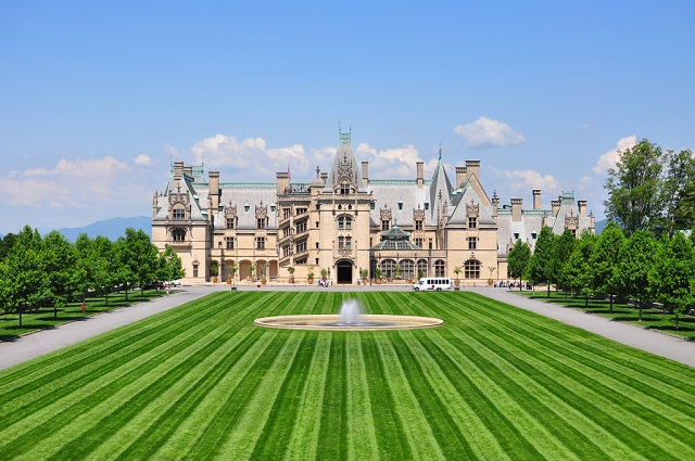 The Largest Houses To Visit In U S