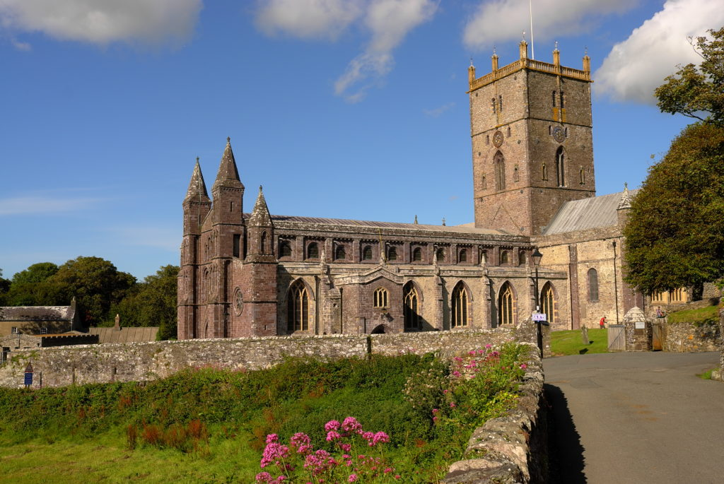 St_David's_Cathedral_L1060033